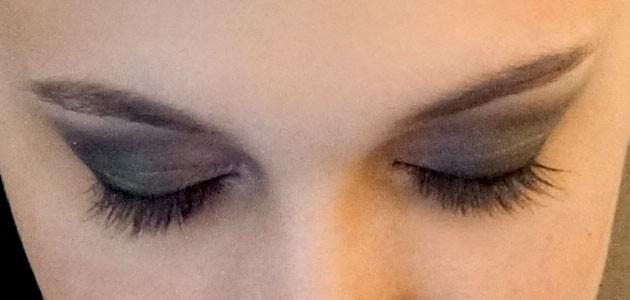 איפור עיניים מעושן