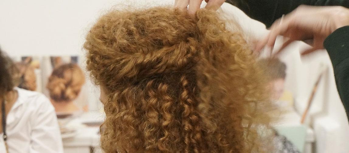 עיצוב קל לשיער מתולתל